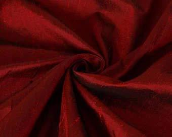 100% Pure Seide Dupionseide Stoff rot X schwarz 137,2cm mit Teppich in grober Weboptik mm27[3] -
