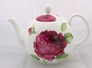 Lovely Old English Roses Fine Bone China 3 Cup Teapot
