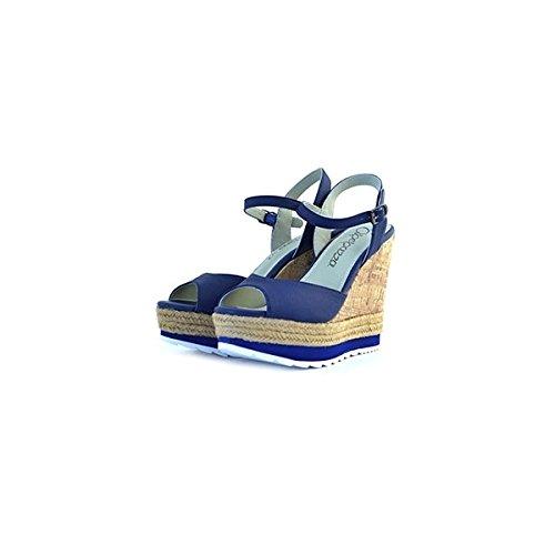 Sandali Apepazza in pelle blu, foderate internamente in pelle, chiusura con cinturino alla caviglia, zeppa in sughero e corda alta 12,5cm e plateau da 4cm, fondo in gomma con logo.