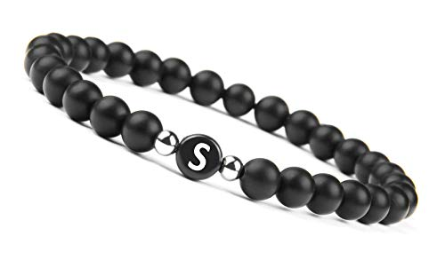 GD GOOD.designs EST. 2015 Namenarmband aus schwarzen Onyxsteinen mit Buchstabenperlen von A-Z, Freundschaftsarmband mit kleinen Echtsilber - Perlen für den Partner -