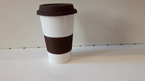 Mug blanc et marron à emporter avec couvercle en silicone