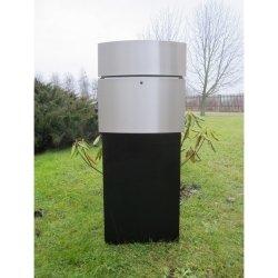 Ein großer, freistehender Design Briefkasten mit LED