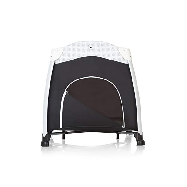 Hauck Play'n Relax, Portable Foldable Travel Cot Crib Bed Playpen for Children, from birth Up To 15 kg, 66 x 120 cm, with Net, Folding Mattress, Lateral Opening, Disney Design, Mickey Cool Vibes  Untippable design -  The playpen is smaller at the top than the bottom to improve the stability of the cot Stylish frame -  The exposed metal uprights of the frame give the play n relax a modern look Compact fold - Folds down to just 21.5 x 21.5 x 78cm making it easy to fit in the boot and take to grandma's house 6