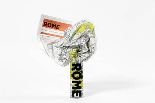 Rome Crumpled City Map (Crumpled City Maps) por Designed by Emmanuele Pizzolorusso