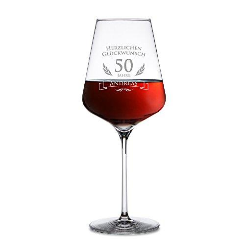 AMAVEL - Rotweinglas - Weinglas mit Gravur zum 50. Geburtstag - Personalisiert mit [Namen] - Herzlichen Glückwunsch - Geschenkideen für Männer und Frauen - Geburtstagsgeschenke für Weintrinker (Für Frauen Geschenk-ideen 50 Geburtstag)