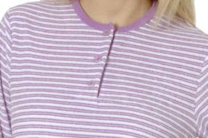 Damen Frottee Schlafanzug Pyjama von Normann, Rundhals mit Knopfleiste, Gestreiftes Oberteil mit kleinem Motiv, Uni Hose Hellblau