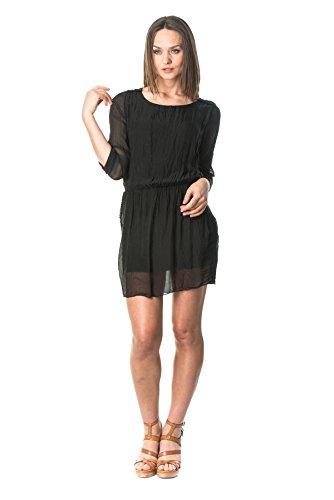 laura-moretti-seidenkleid-farbe-schwarz-mit-rundem-ausschnitt-taschen-und-detail-auf-schultern