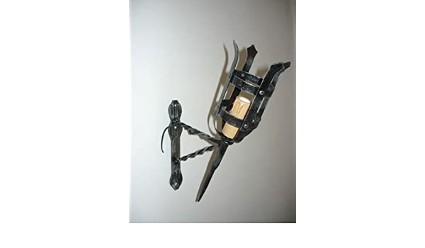 Lampada da parete in ferro battuto applique a torcia medioevale