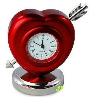Golf & More Tischuhr rot HERZ MIT PFEIL,Kaminuhr für Verliebte,incl. Batterie,Liebesuhr Valentinstag Geschenkidee Weihnachten Paare