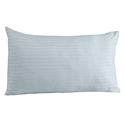 Homescapes Kissenbezug 40 x 80 cm hellblau - 100% Reine ägyptische Baumwolle, Fadendichte 330 mit Satin-Streifen - Kissenhülle mit Reißverschluss - Satin Streifen