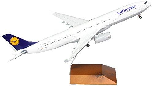 gemini200-lufthansa-a330-300-airplane-model-1200-scale
