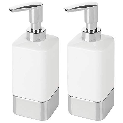 mDesign Juego de 2 dosificadores de jabón para baño o Cocina - Dispensador de jabón de cerámica y plástico rellenable - Accesorios de baño Elegantes para jabón, loción o aceites - Blanco/Plateado