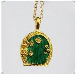 "Green-Hobbit-Locket-Necklace-Hobbit-Hole-Door-Lord-of-the-Rings-Middle-Earth-Shire-Inspired-Pendant-Nerd-Jewelry-Geek-Gift-Lotr-TolkienDie-Grne-Kiste-halskette-hobbit-Habib-PORTAL-in-inspiriert-der-He  Green Hobbit Locket Necklace- Hobbit Hole Door – Lord of the Rings Middle Earth, Shire Inspired Pendant- Nerd Jewelry Geek Gift Lotr TolkienDie Grüne Kiste halskette hobbit Habib – PORTAL in inspiriert der Herr, der DAS anhänger – Nerd – ""Herr der RINGE"" Tolkien geschenk schmuck 31yfOHHAZSL"