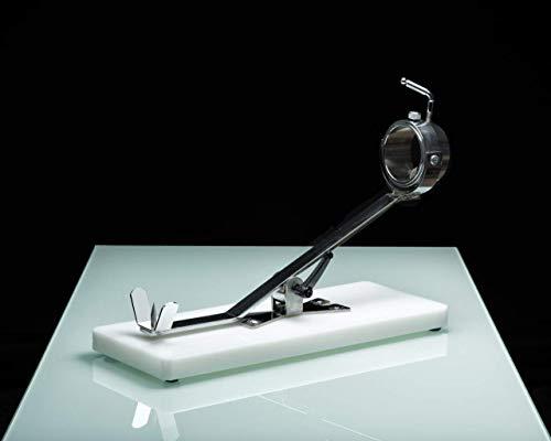 El Jamonero modelo Bello F9 representa equilibrio perfecto entre calidad y precio. Este jamonero fabricado en acero cromado y soportes en acero inoxidable y resina cuenta con una novedosa estructura metálica en forma de V y un cabezal giratorio para ...