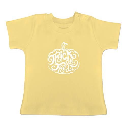 Anlässe Baby - Trick or Treat - 1-3 Monate - Hellgelb - BZ02 - Baby T-Shirt Kurzarm