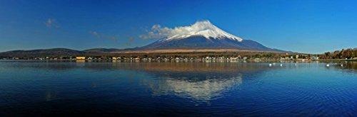 Digitaldruck / Poster Hady Khandani - PANO - MOUNT FUJI AND LAKE YAMANAKA - JAPAN 06 - 333 x 110cm - Premiumqualität - HADYPHOTO, Fotografie - MADE IN GERMANY - ART-GALERIE-SHOPde (Lake Yamanaka Mount Fuji Japan)