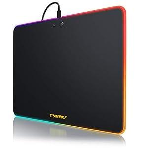 Titanwolf – Gaming Mauspad mit RGB Beleuchtung – 340 x 245 mm Neon Control – Kunststoffoberfläche – leuchtendes Mousepad – Regenbogeneffekte – Chromafarben – Tischunterlage – Chroma Mauspad LED