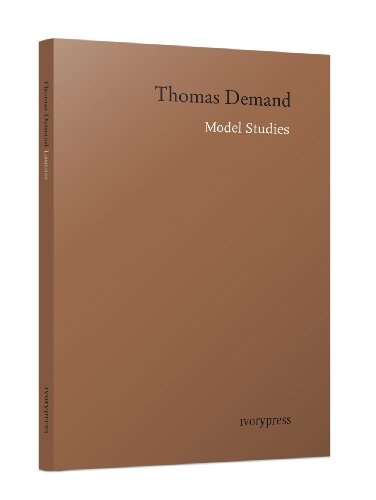 Model Studies: Thomas Demand (IVORY PRESS) por Thomas Demand