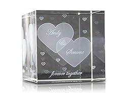 VIP-LASER Glaswürfel XL mit Zwei großen Herzen graviert. Gravur Deine Namen kostenlos - das Partner Liebes Geschenk zum Valentinstag, Weihnachten Jahrestag oder zur Verlobung!