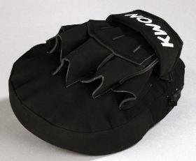 KWON® Coaching Mitt Dark Line Handpratze Pratze Pratzen 4091065