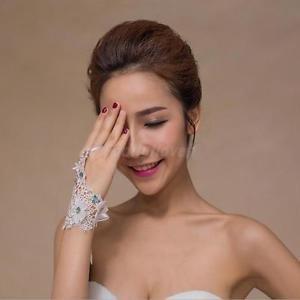 Alcoa Prime Elegant Women Girls Bridal Lace Floral Hollow Fingerless Glove Party Costume