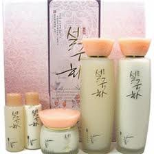 Korean Cosmetics _ Seolgukhwa (Snow Chrysanthème) Le bien-être Herbal Skin Care 3PC Set