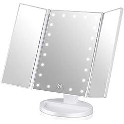 Ideas para regalar en reyes. Espejo Maquillaje con Luz, Triple Espejo Plegable 21 Lámpara LED 180 Grado de Rotación Coméstico con Mostrador, Regalos Originales para Mujer (Blanco)