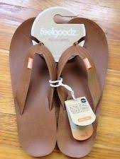 70630ca4a Feelgoodz Men s Kinderz - Fair Trade Vegan Leather Flip Flop Sandal That  Molds to Your Feet