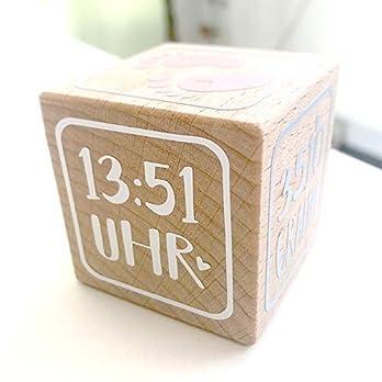 Holzwürfel mit Geburtsdaten und Foto