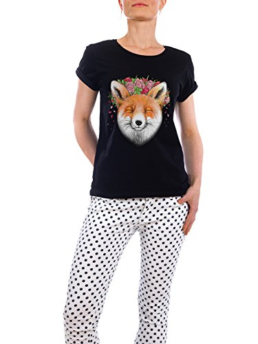 "Design T-Shirt Frauen Earth Positive ""Fox with flowers"" - stylisches Shirt Tiere Floral Natur von Nikita Korenkov Schwarz"