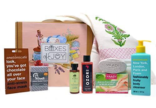 Bath & Body Box bath kit for Women (Branded Waffle Towel, Shower Gel, Face Wash, Moisturiser, Soap, Face Pack, Scrub Soap)
