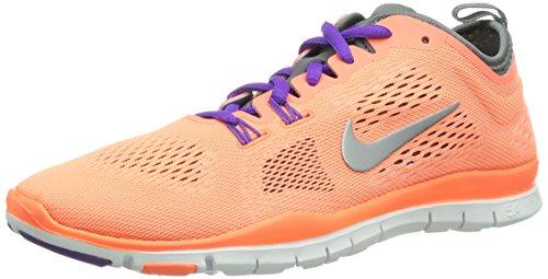 Nike Free Tr 4, Chaussures de sports extérieurs femme Orange (Brght Mng/Wlf Gry-Cl Gry-Antrc)