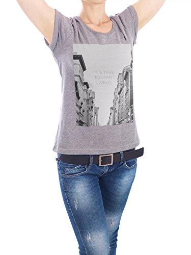 """Design T-Shirt Frauen Earth Positive """"its time"""" - stylisches Shirt Typografie von Anna Tverdostup Grau"""