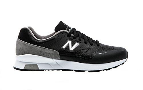 New Balance MD1500, FG black