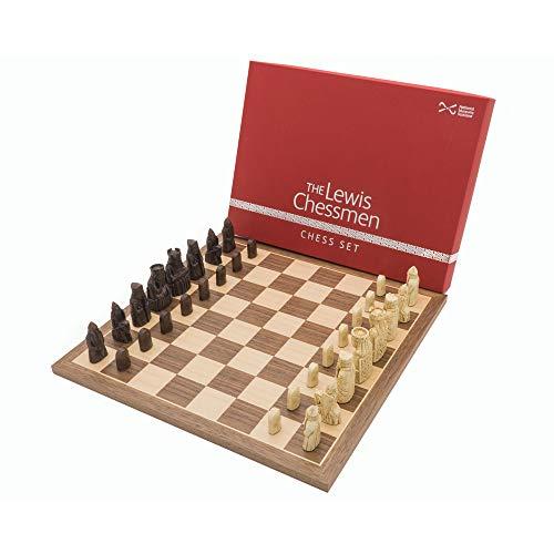 The Oficial Lewis Nogal juego de ajedrez mediados tamaño