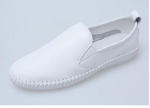 pattini-piani-di-bianco-una-serie-pedale-scarpe-piane-carrefour-white-39