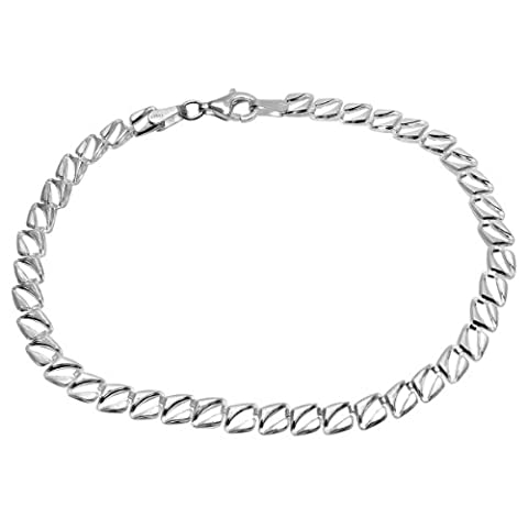 Citerna Sterling Silver Delicate Slit Centred Kite Linked Bracelet of Length 19 cm