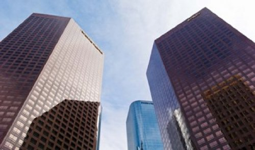 The Poster Corp Panoramic Images - Low angle view of skyscrapers Wells Fargo Center California Plaza Los Angeles California USA Photo Print (91,44 x 54,10 cm)