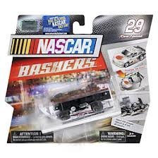 spin-master-nascar-bashers-full-blast-crash-car-kevin-harvick-29