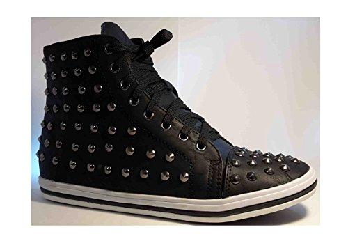 Sneakers, chaussures femme, bottes, chaussures femme, chaussures rivet, modèle 11094104001188, noir ou marron, différents modèles et tailles. Noir.
