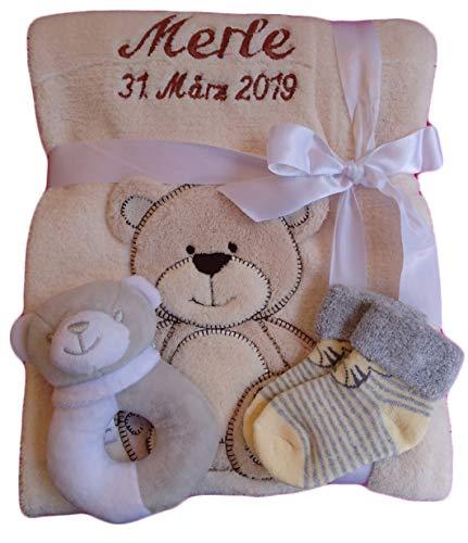 Babydecke mit Namen bestickt + Babysocken Babyrassel Greifling Baby Geschenk Geburt Taufe (beige Bär)