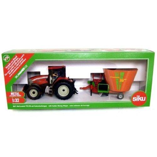 McCormick TTX210 XTRASPEED Traktor mit Strautmann Verti-Mix 1250 Fodder Mixer
