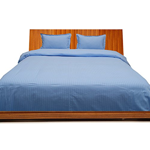 BudgetLinen 4PCs Duvet Set Fitted Sheet(Azul Claro Raya, Rey Size150 x 200 cm (5' 6'' x 6'), Pocket Size 36cm) 100% de Algodón Egipcio Calidad Premium 300 Número de Hilos