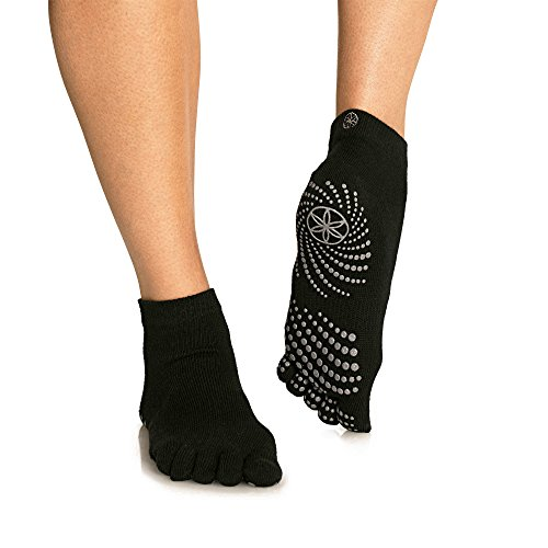 gaiam-yoga-socks-black-white-small-medium