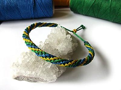 Bracelet brésilien/amitié/unisexe/en fil Vert Jaune Bleu Couleur Brésil tissé/tressé main en macramé avec du fil ciré et ajustable Réf.FPbrazil