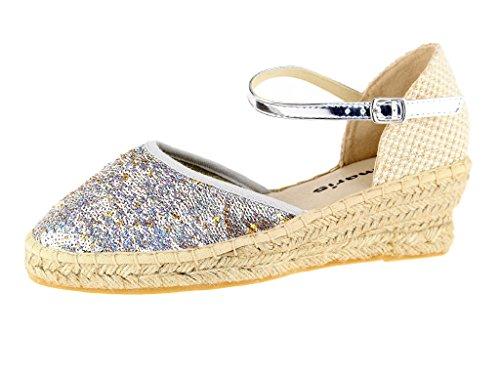 Tamaris Schuhe 1-1-24309-28 bequeme Damen Slipper, Espandrilles, Sandaletten, Sandalen, Sommerschuhe für modebewusste Frau, metallic, beige (SIL.SEQ./BEIGE), EU 42