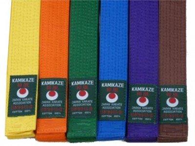 Kamikaze Karategürtel Farbgürtel, verschiedene Farben (gelb, orange, grün, blau, violett, braun, rot) aus Baumwolle