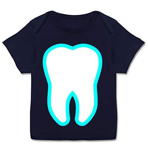 Zahnfee Kind Kostüm - Karneval und Fasching Baby - Farbiger Zahn - Zahnfee Kostüm - 80-86 (18 Monate) - Navy Blau - E110B - Kurzarm Baby-Shirt für Jungen und Mädchen