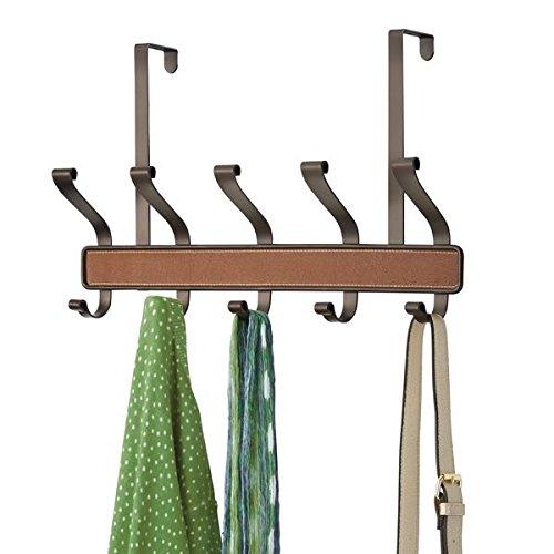 mDesign Garderobe zur Aufbewahrung von Mänteln, Hüten oder Handtüchern – praktische Flurgarderobe aus Metall – Garderobenhaken für die Tür mit 5 doppelten Haken – braun/bronze