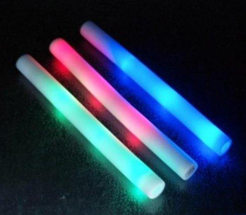 Preisvergleich Produktbild 48409, 4 Stück LED Leuchtstab 48 cm, aus Schaumstoff, LED Leuchtstab, mit 3 Leuchtfunktionen, Disco, Mitgebsel, Mitbringsel